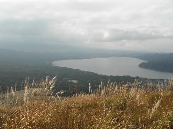 Yamanakako-mura, Japan: 山中湖を望む