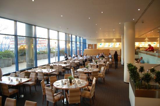NH Prague City: レストラン