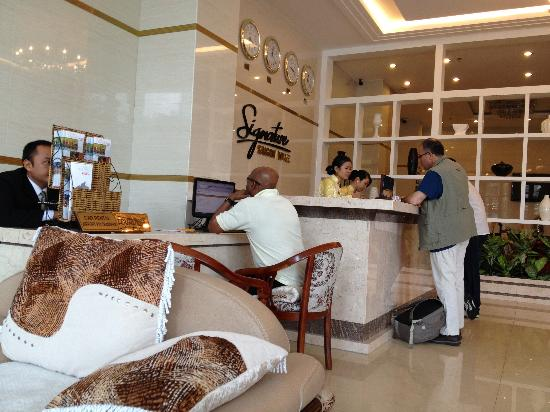 Signature Saigon Hotel: Reception