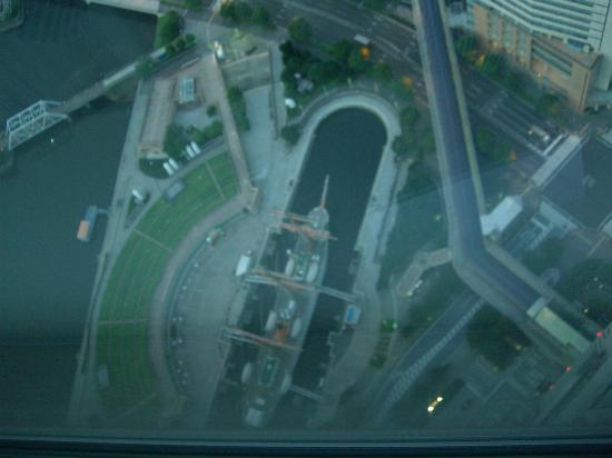 横浜ロイヤルパークホテル, 日本丸を見下ろす