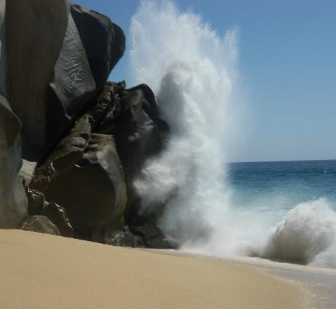Grand Solmar Land's End Resort & Spa: The greatest location at hightide splashing at the rocks