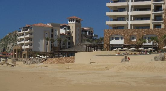 Grand Solmar Land's End Resort & Spa: Looking from the beach front to hotel