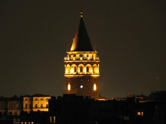 Witt Istanbul Suites: View of Galata Tower from our room on 5th floor