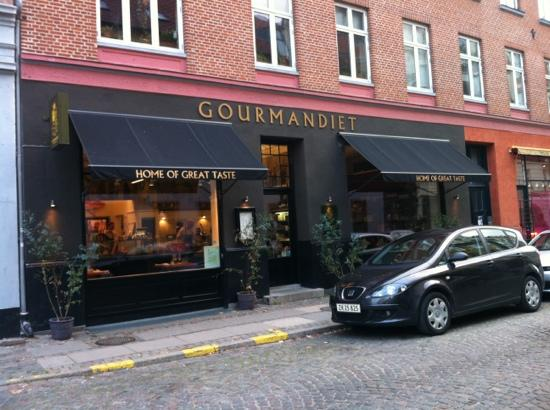 Photo of Modern European Restaurant Gourmandiet at Rosenvaengets Alle 7a, Copenhagen 2100, Denmark