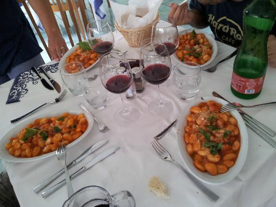 Hotel Villa Sirena: Questi Gnocchi, ti riconciliano col Mondo...e il sugo di pomodoro, che ne parliamo affà!!