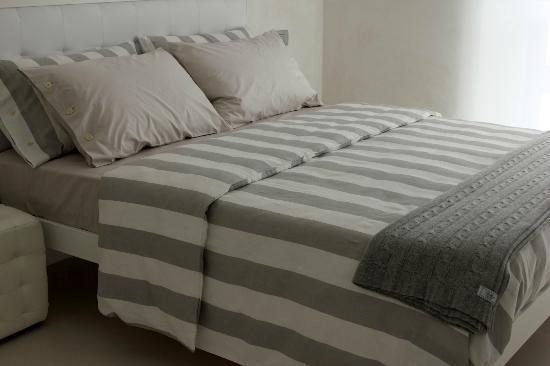 Home BB Milano: LONDRA: Queen size bedroom