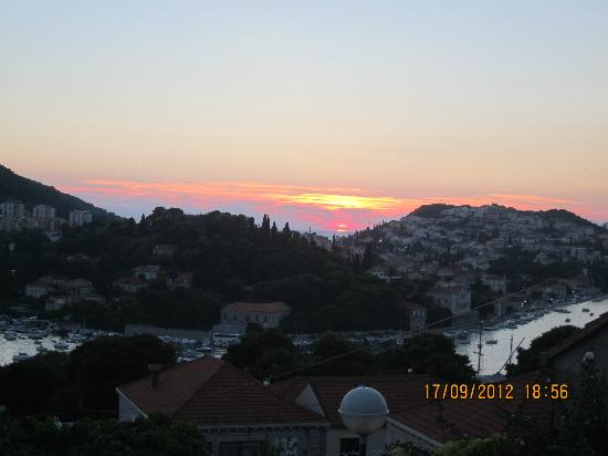 S&L Guesthouse: sunset from the upper terrace