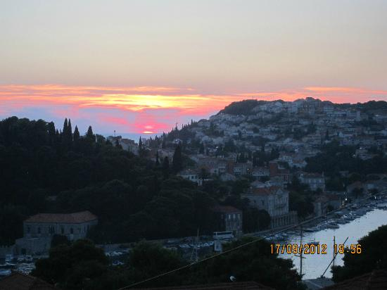 S&L Guesthouse: sunset from upper terrace