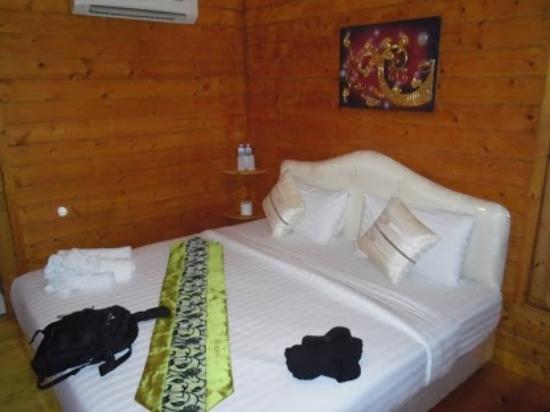 Log Home Boutique Hotel: chambre