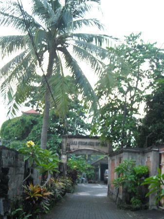 Bali Sorgawi Hotel: Въезд на территорию отеля
