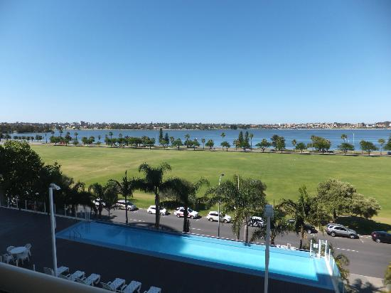 Crowne Plaza Perth: View from 6th floor, room 601.