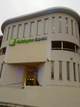 Holiday Inn Express Crewe: HI Express Crewe - External view