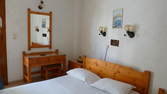 Hotel Floral: Room
