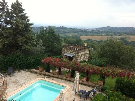 Castello di Monterone: Vista dalla camera (dall'ingresso)