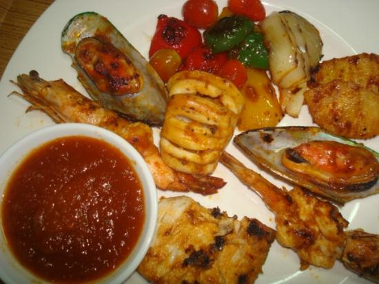 Uncle Rang Restaurant: --