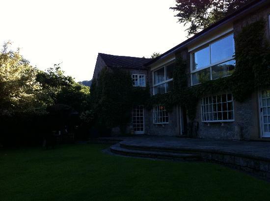 River Cottage: Das Haus, vom Garten aus gesehen.