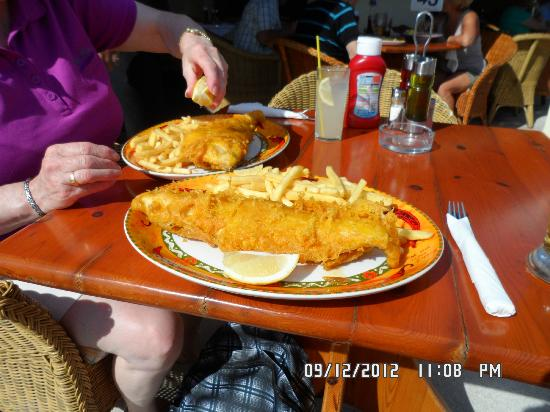 Restaurante El Pato: battered cod and chips great