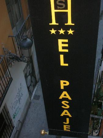 El Pasaje : l'enseigne de l'hôtel