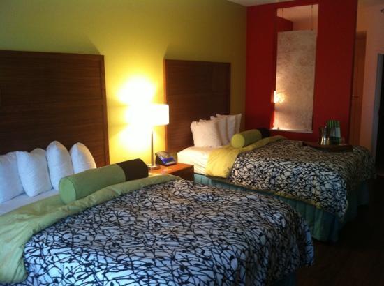 Hotel Indigo Columbus Downtown: double queen room