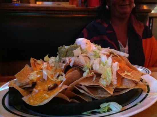 Flanigan's Seafood Bar and Grill: free nachos and Monday night