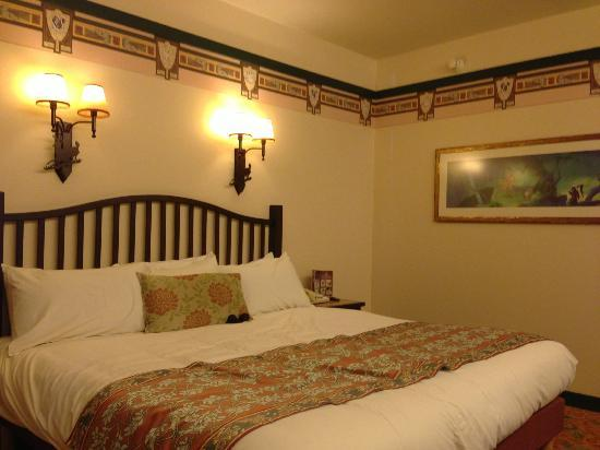 Chambre picture of disney 39 s sequoia lodge coupvray for Chambre d hotel france