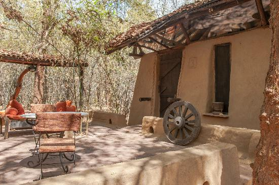 Mahua Kothi : One of the Villas