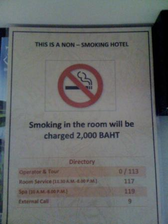 De Chai The Colonial Hotel: it is a smoking hotel but you pay if you smoke. they would lose baht if it weren't for me tellin