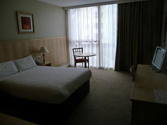 Travelodge Dublin Airport Ballymun: A typical room