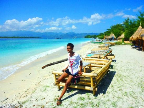 an awesome pantai di gili trawangan ... heavenly