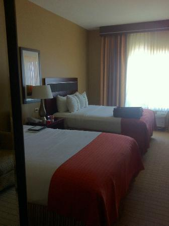 Holiday Inn Hotel & Suites Denver Airport: Double Beds