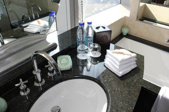 เจดับบลิว แมริออท โฮเต็ล เซี่ยงไฮ้ แอท ทูมอร์โร สแควร์: amenities