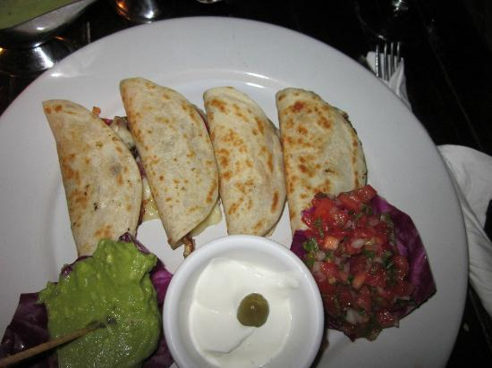 Fusion Bar & Restaurant: Chicken Quesadillas