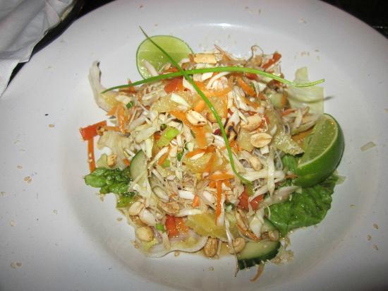 Fusion Bar & Restaurant: Oriental Salad
