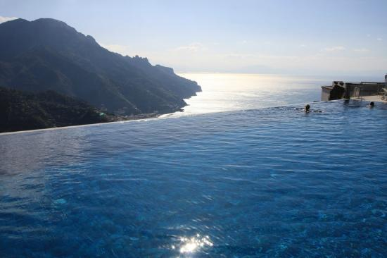 Belmond Hotel Caruso: The famous pool.
