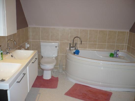 Pretty Maid House Bed & Breakfast: Bathroom