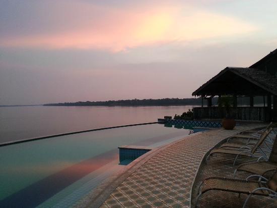 Guajara-Mirim, RO: Pool and river