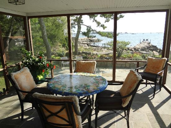 Thimble Islands Bed & Breakfast: Screen Porch