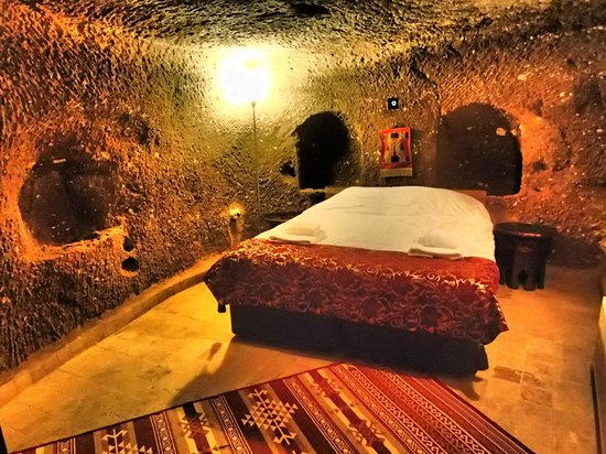 Monte Cappa Cave House: awesome room