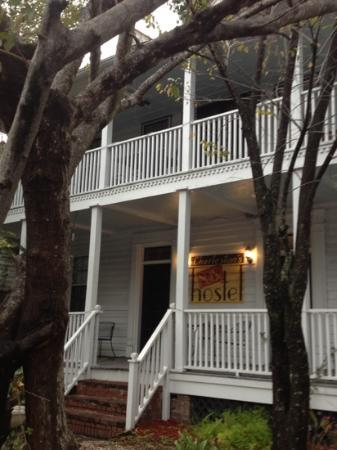 Charleston's NotSo Hostel: the front of the hostel