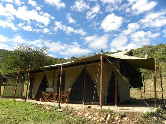 Enkewa Camp : nuestra tienda! el paraiso para leer, descansar, hacer safaris, caminar.... vamos....VIVIR!!!!