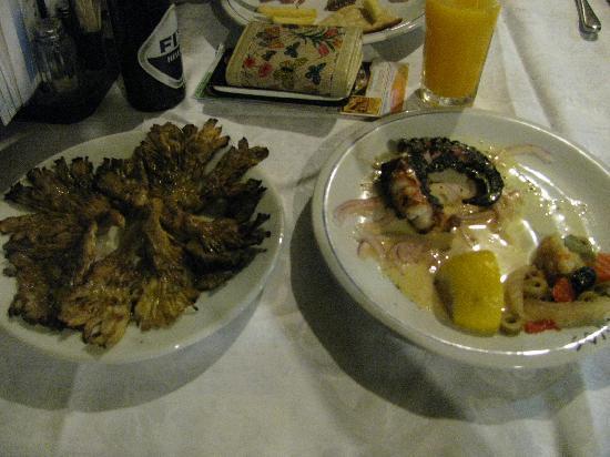 Restaurant / Taverna Flisvos : Octopus is 12 euro!!!! But small like my finger!
