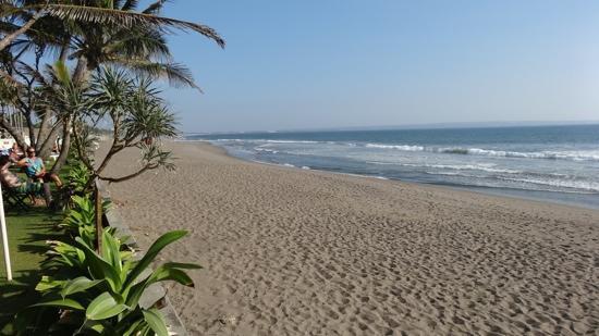 Legong Keraton Beach Hotel: beach