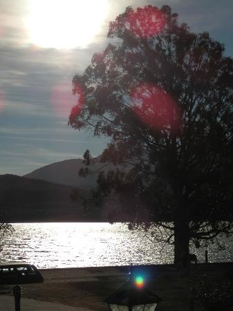 Fiordland Lakeview Motel and Apartments: Abendstimmung