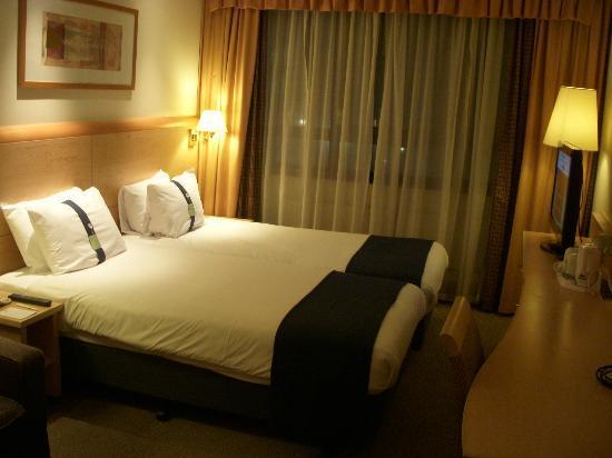 Holiday Inn London Kensington Forum: 部屋02
