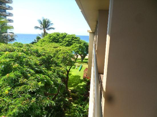 Kaanapali Beach Hotel: The view from the top floor