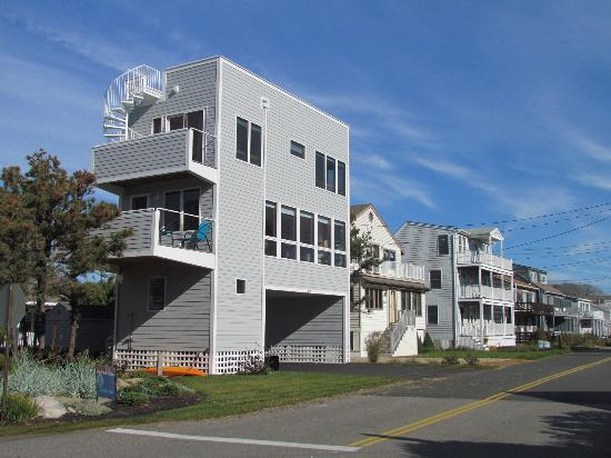 Ogunquit Beach: Modern and elegant design.