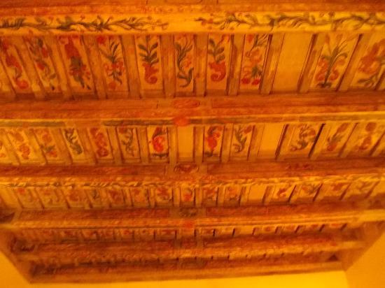 The Charles Hotel: The beautiful ceiling on our room