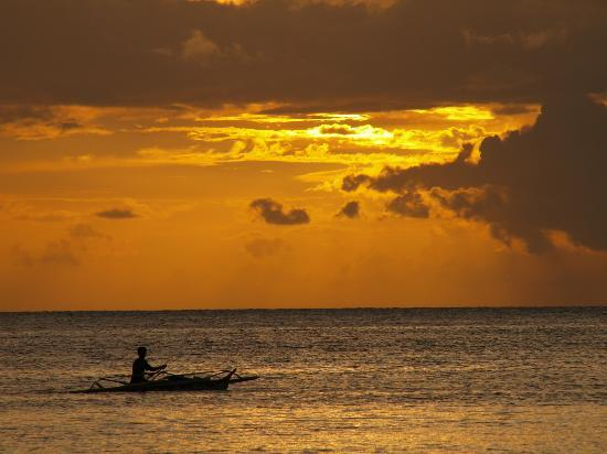 Easy Diving and Beach Resort: Sonnenuntergang