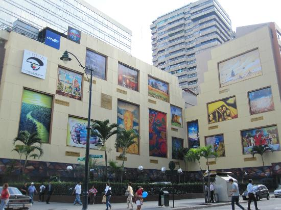 Casa de Romero B&B: Las Pinturas - large-sized copies of contemporary Ecuadorian art