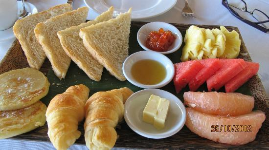 Navutu Dreams Resort & Wellness Retreat: bakers tray breakfast